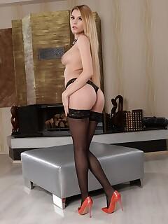 Karina Grand unveils her medium tits & flaunt flawless ass