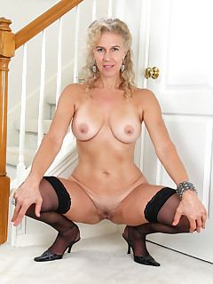 Mature Pictures Featuring 54 Year Old Sabrina From AllOver30