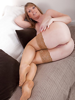 AllOver30.com - Introducing 43 year old Sophie G