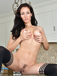 Anilos.com - Freshest mature women on the net featuring Anilos Olivia Bell sexy anilos