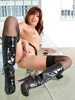 Anilos.com - Freshest mature women on the net featuring Anilos Rachel anilos world