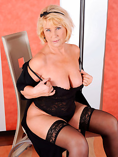 Anilos.com - Freshest mature women on the net featuring Anilos Regie milf pic