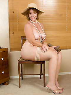 Anilos.com - Freshest mature women on the net featuring Anilos Samantha Stone free anilos moms