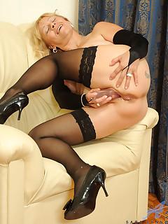 Anilos.com - Freshest mature women on the net featuring Anilos Sara Lynn naughty anilos