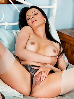 Anilos.com - Freshest mature women on the net featuring Anilos Sienna Richardson anilos pussy