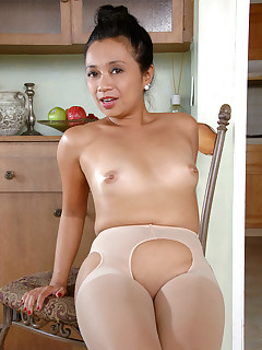 Anilos.com - Freshest mature women on the net featuring Anilos Lucky Starr mature nude