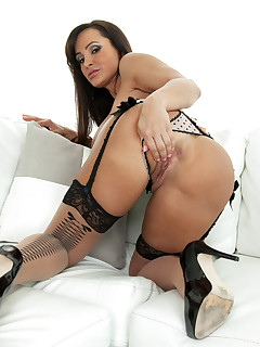 Anilos.com - Freshest mature women on the net featuring Anilos Lisa Ann milf boob