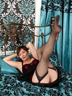 Anilos.com - Freshest mature women on the net featuring Anilos Kitty Creamer mature porn