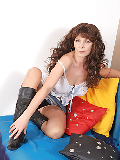 Anilos.com - Freshest mature women on the net featuring Anilos Tina old anilos