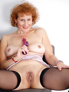 Anilos.com - Freshest mature women on the net featuring Anilos Naomi Xxx milf moms