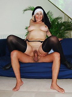 Jim Slip - UK Street Slut: Sister Naomi