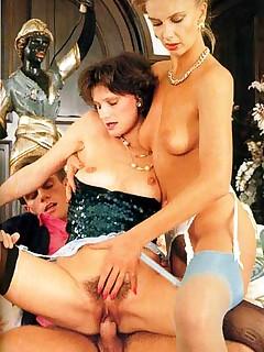 Rodox ~ Two seventies moms enjoying a