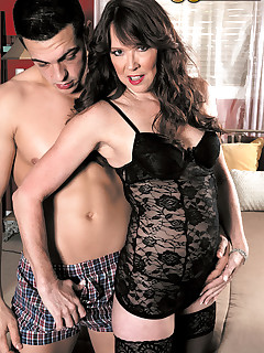 50 Plus MILFs - The well-stuffed divorcee - Nicky White and Johnny Champ (50 Photos)