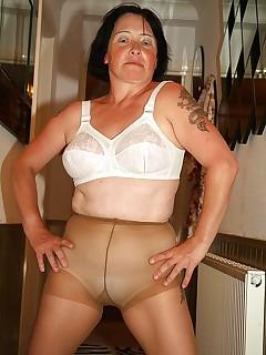 Horny British mom posing in pantyhose.