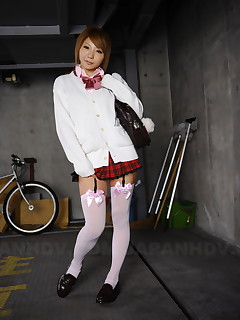 Sexy teen Rui Hazuki poses in short skirt out | Japan HDV